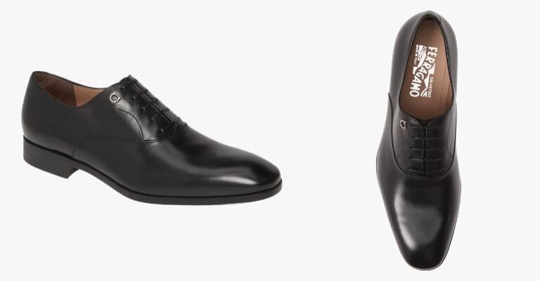 Black plain toe Oxford shoes.