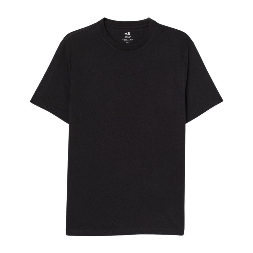 Black t-shirt.