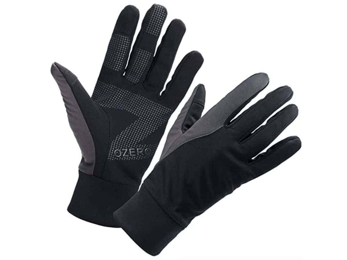 Pair of polyester driving gloves.