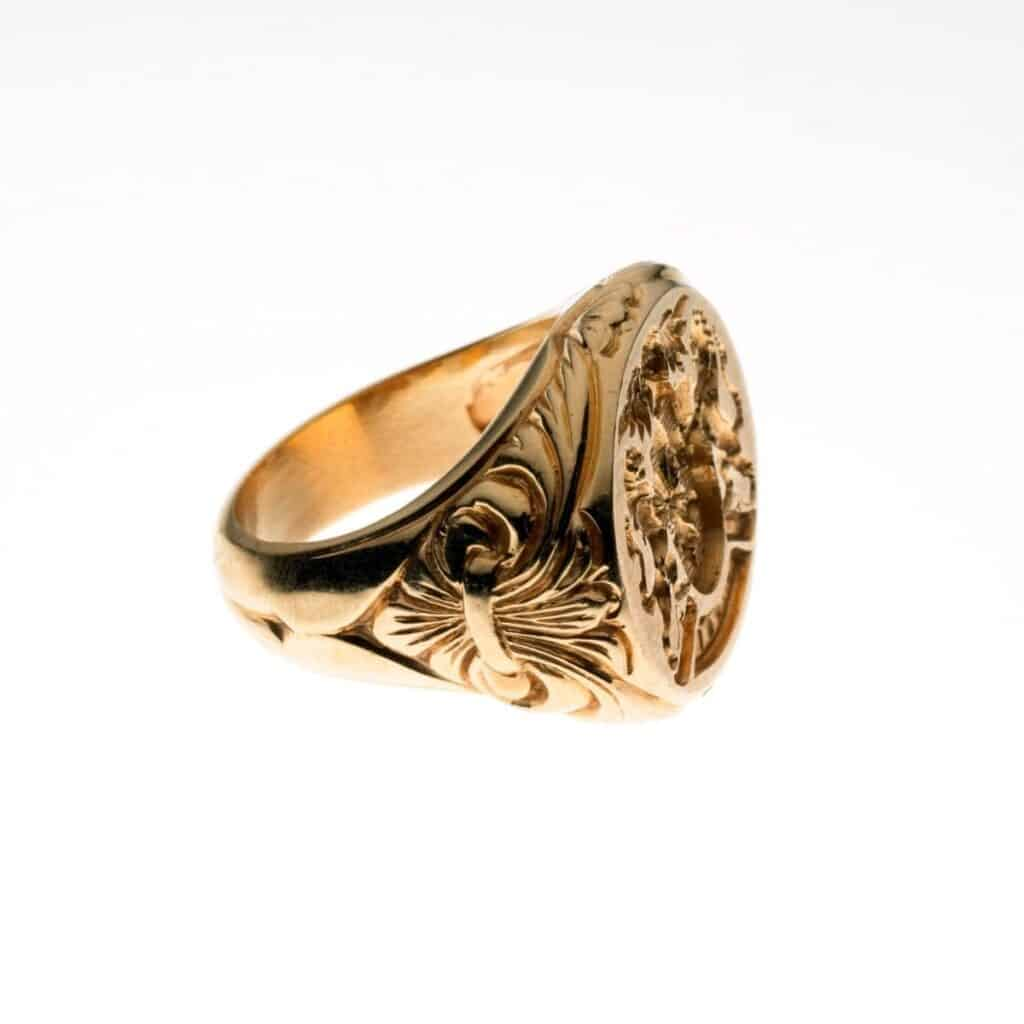 Side of a signet ring.